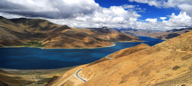 Spiritual Waters – Tibet's Yamdrok Lake
